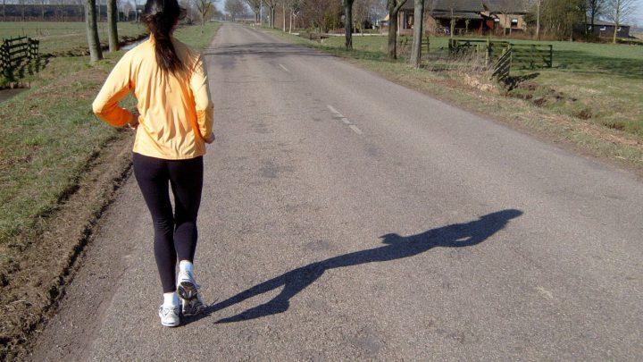 Czy można biegać na boso?